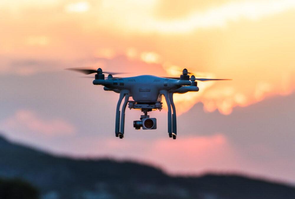 Lavorare con i droni drone pro service